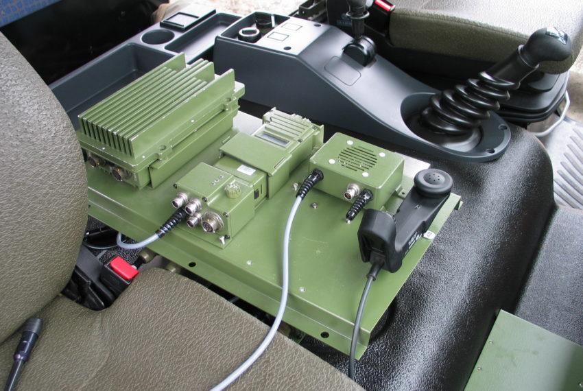 V3501 zestaw pojazdowy radiostacji doręcznej 3501